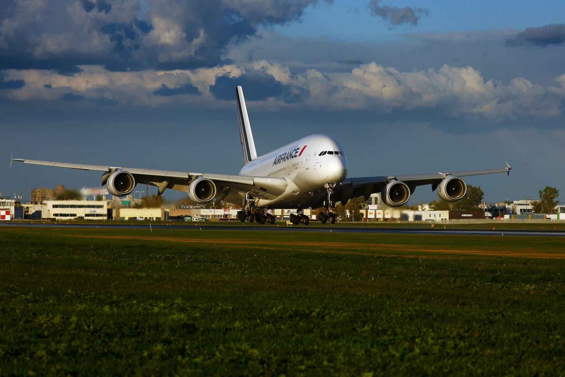 телефон сайт с фотографиями самолетов после трансформатора