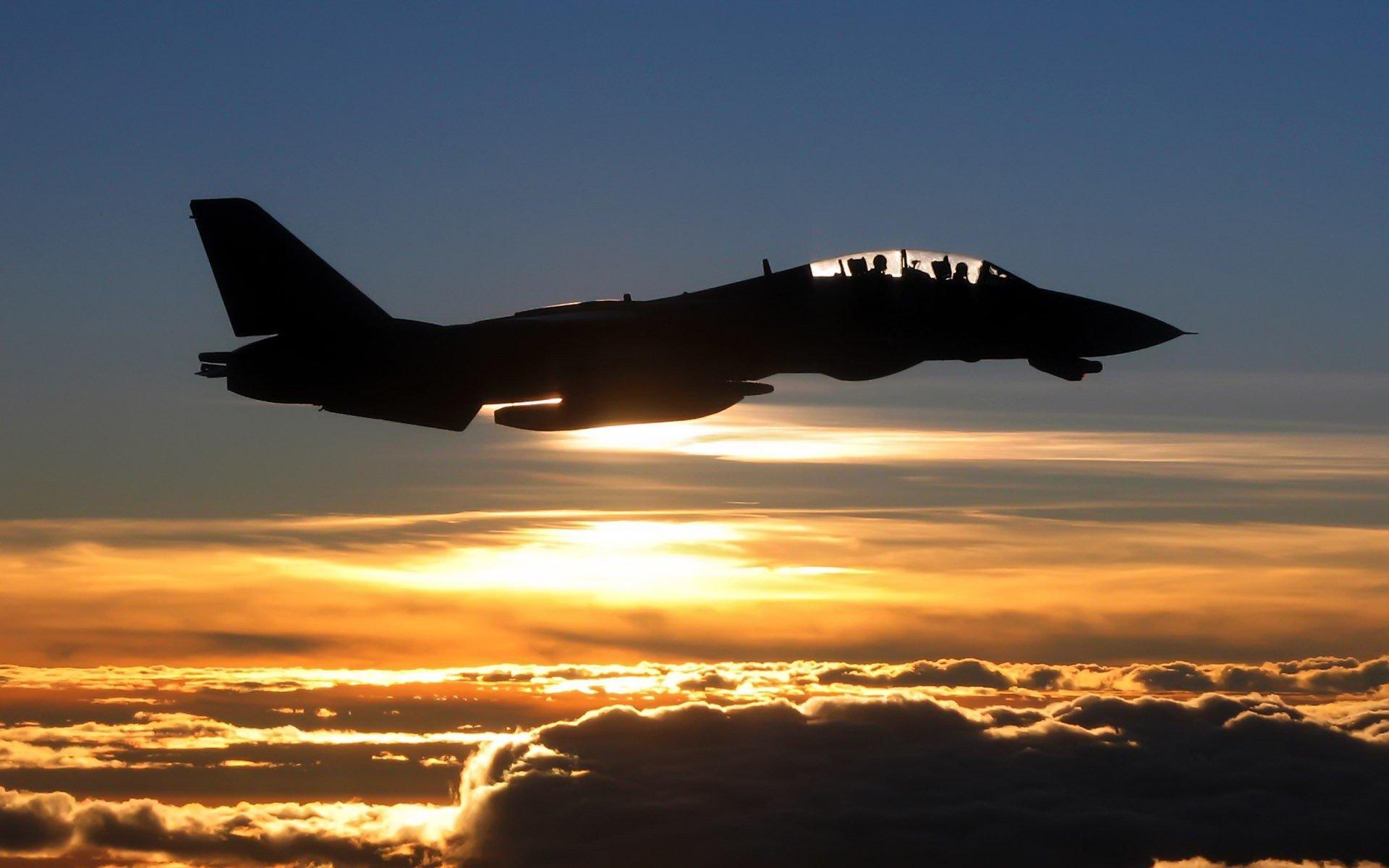Обои Облака, полет, истребители. Авиация foto 14