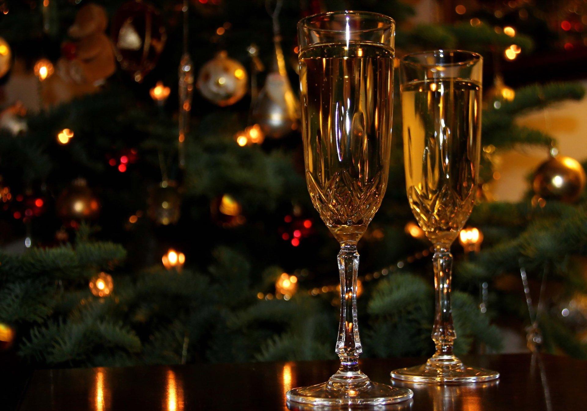 Открытка свечи шампанское, день рождения открытка