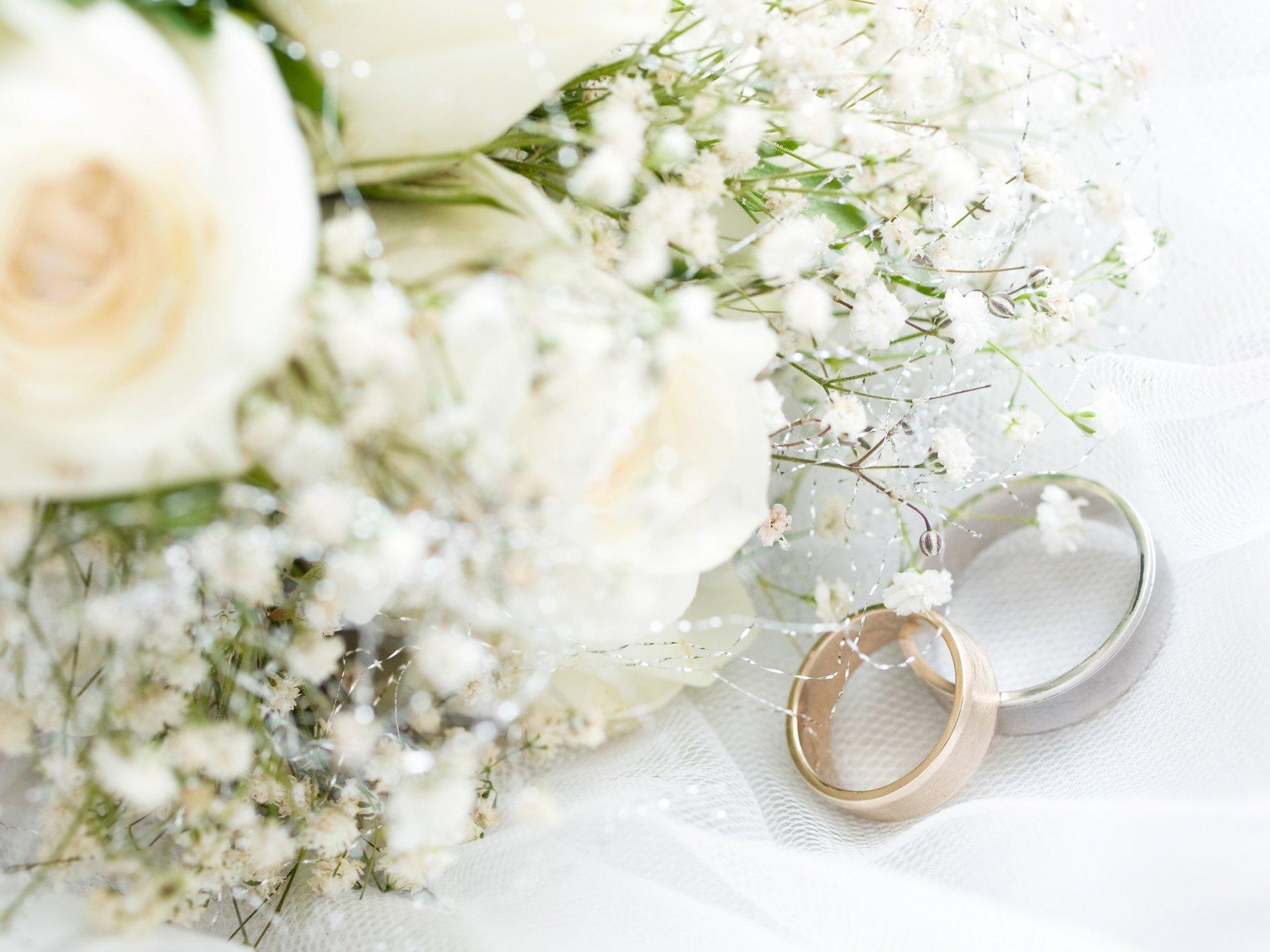 Цветы и открытки с свадьбой