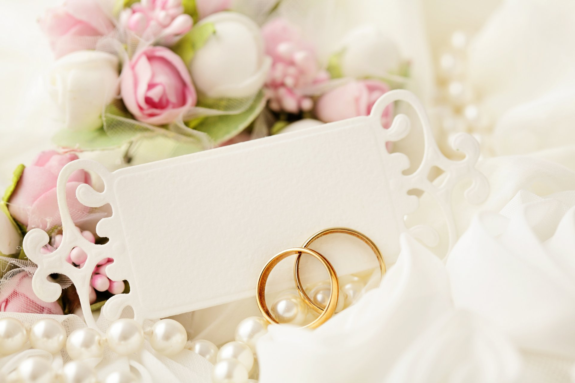 Надпись на открытке в цветы на свадьбу