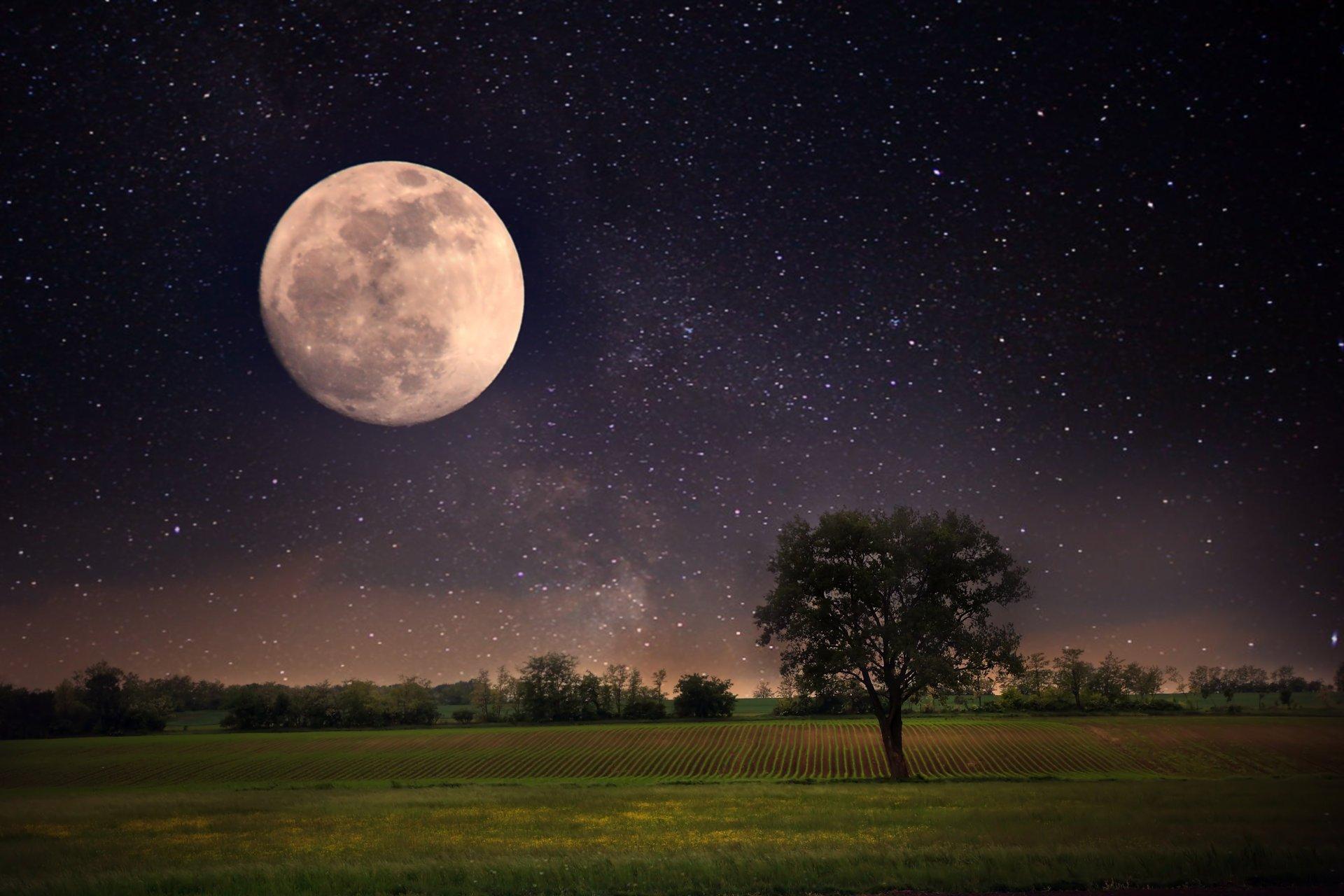 том луна на звездном небе фото высокого разрешения кому еще накликали