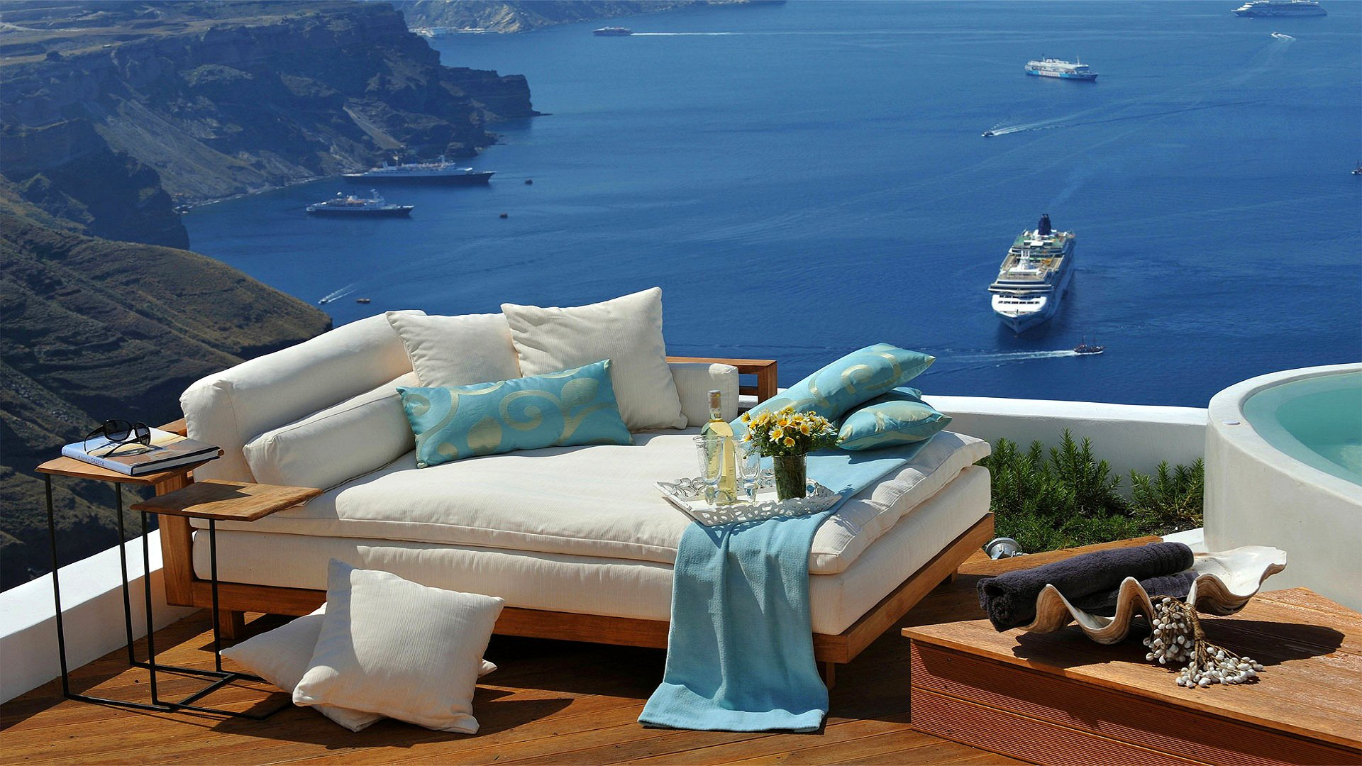 Греция море корабль лайнер диван отдых hd обои для ноутбука.