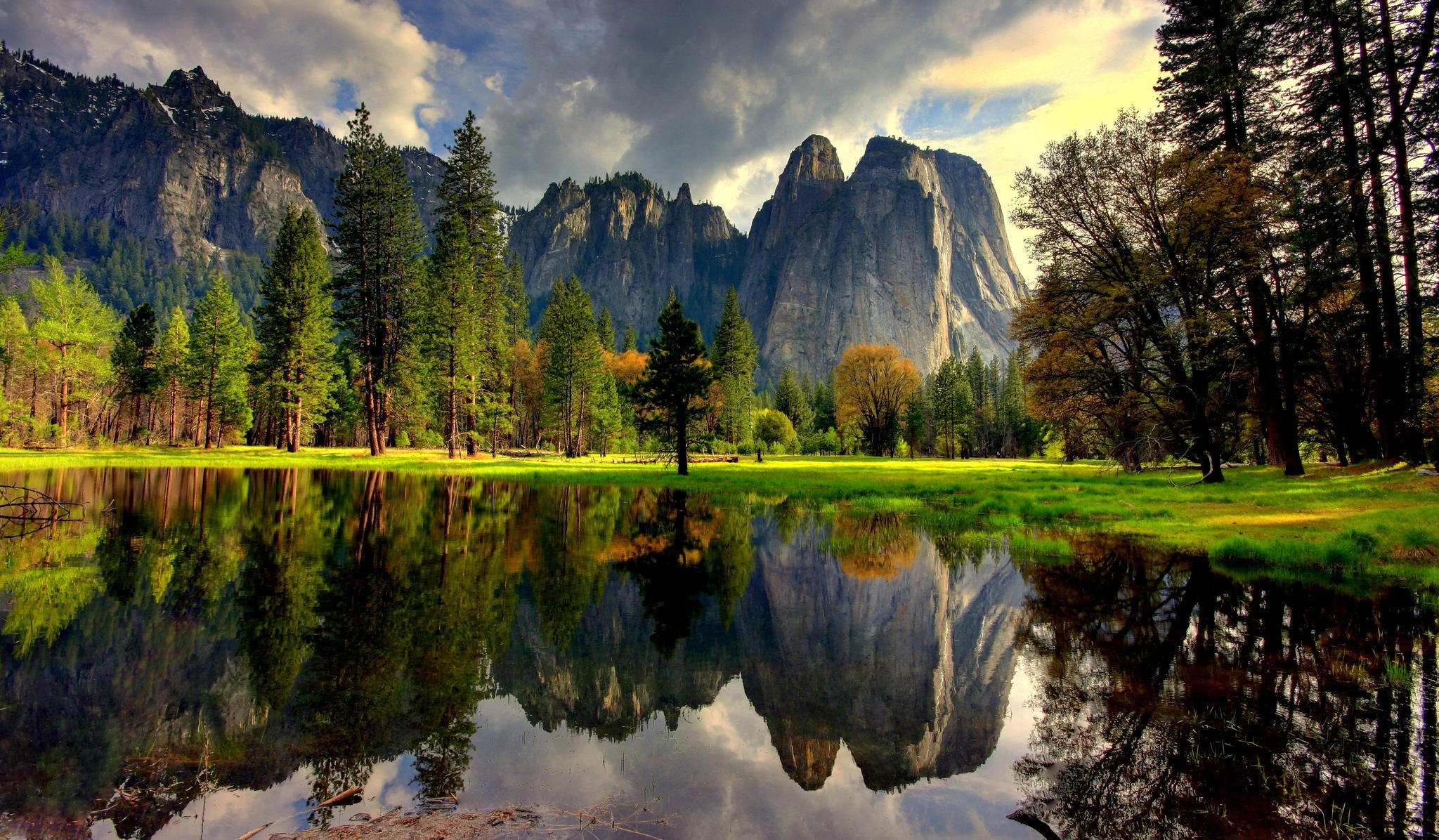 природа деревья озеро горы скалы nature trees the lake mountains rock  № 400464  скачать