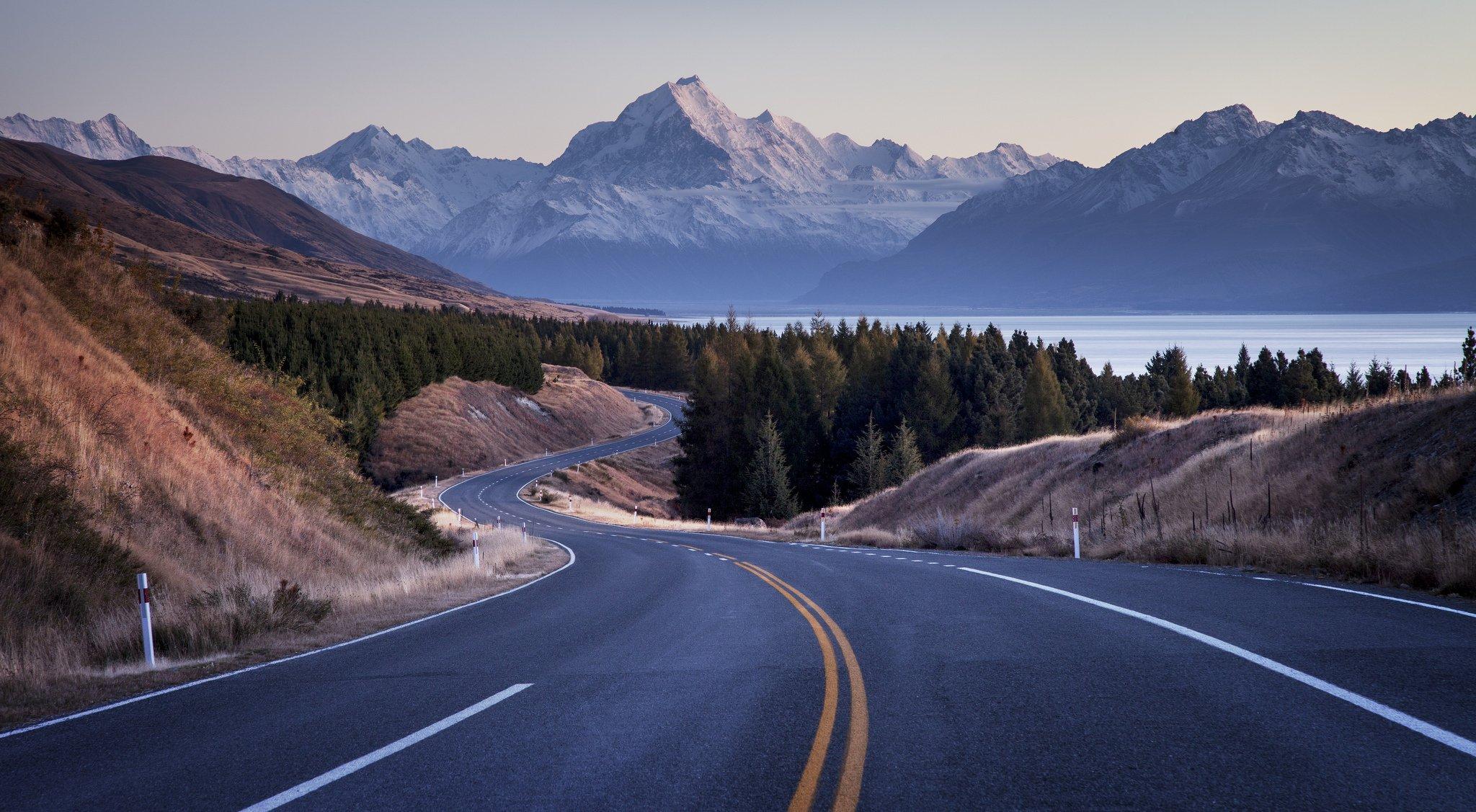 Ехать в машине без водителя говорит о грядущих переменах, но какими именно будут изменения — радостными или печальными, — неизвестно.