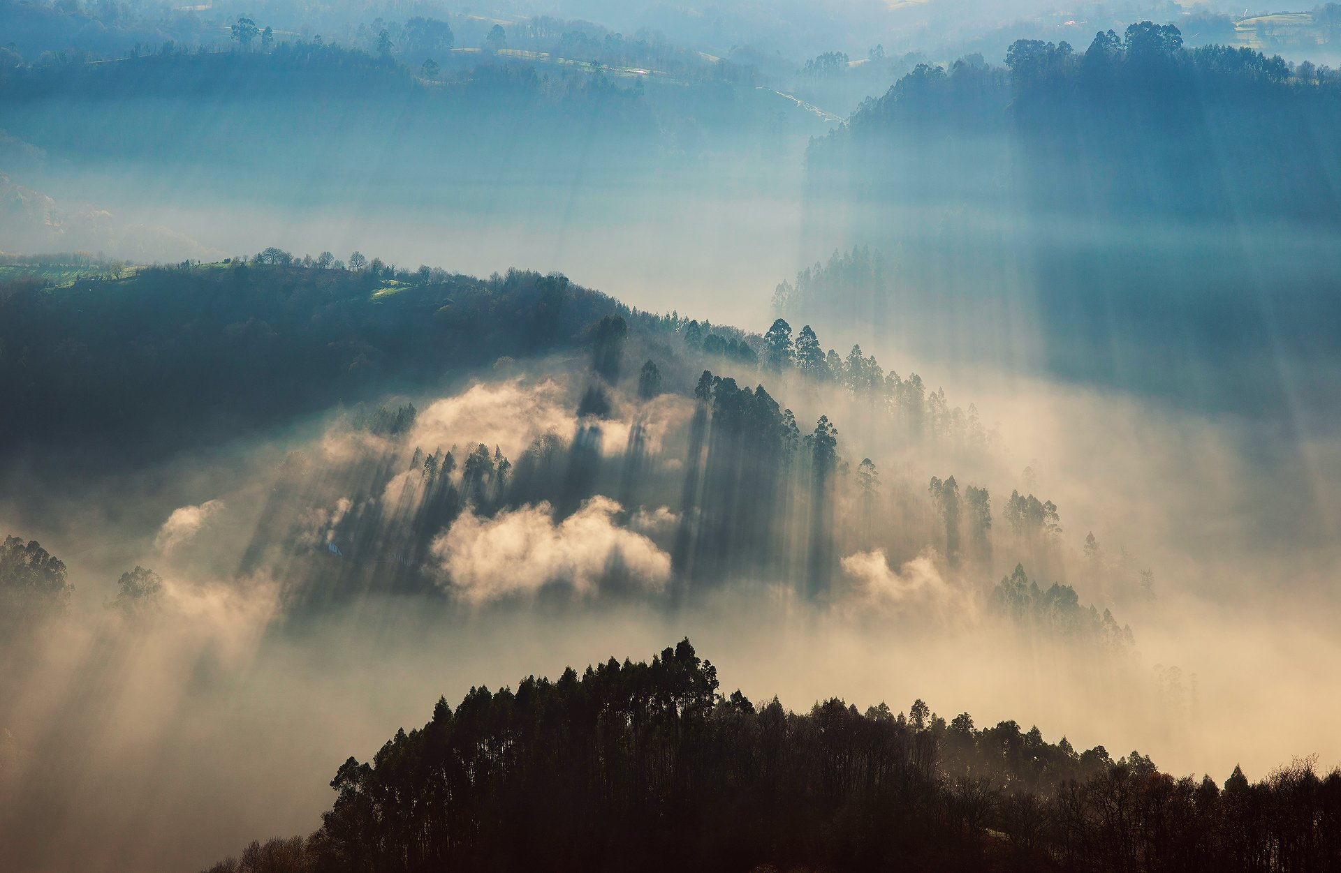 вулкан горы облака туман  № 755051 бесплатно