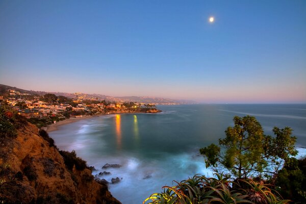 полумесяца бей point park laguna beach калифорния луна океан огни
