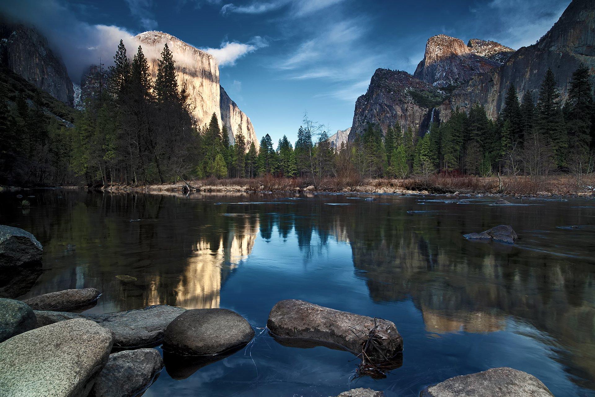 горы, ели, озеро, камни скачать