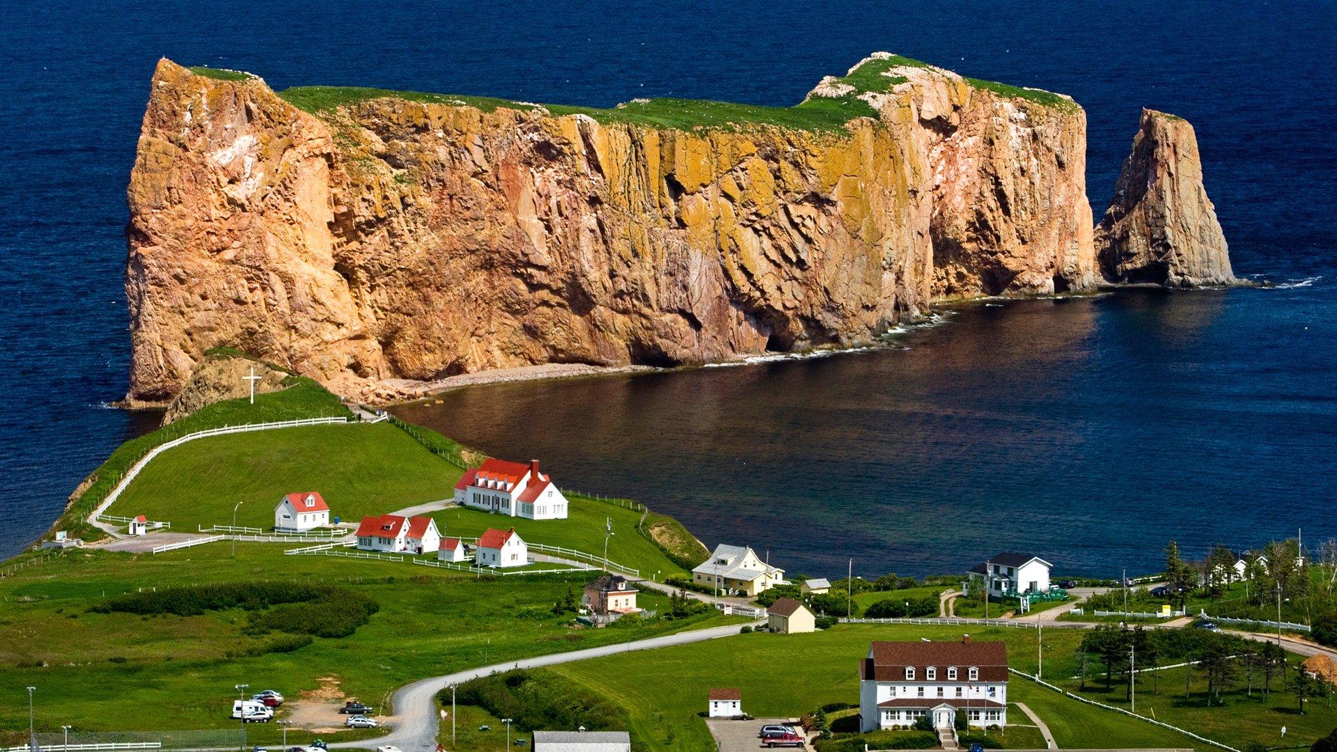 Обои скалы, дома, волны, посёлок. Города foto 13