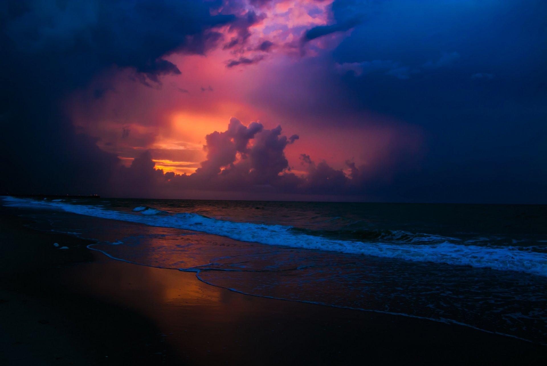 вечер в августе у моря считают парфюмерно