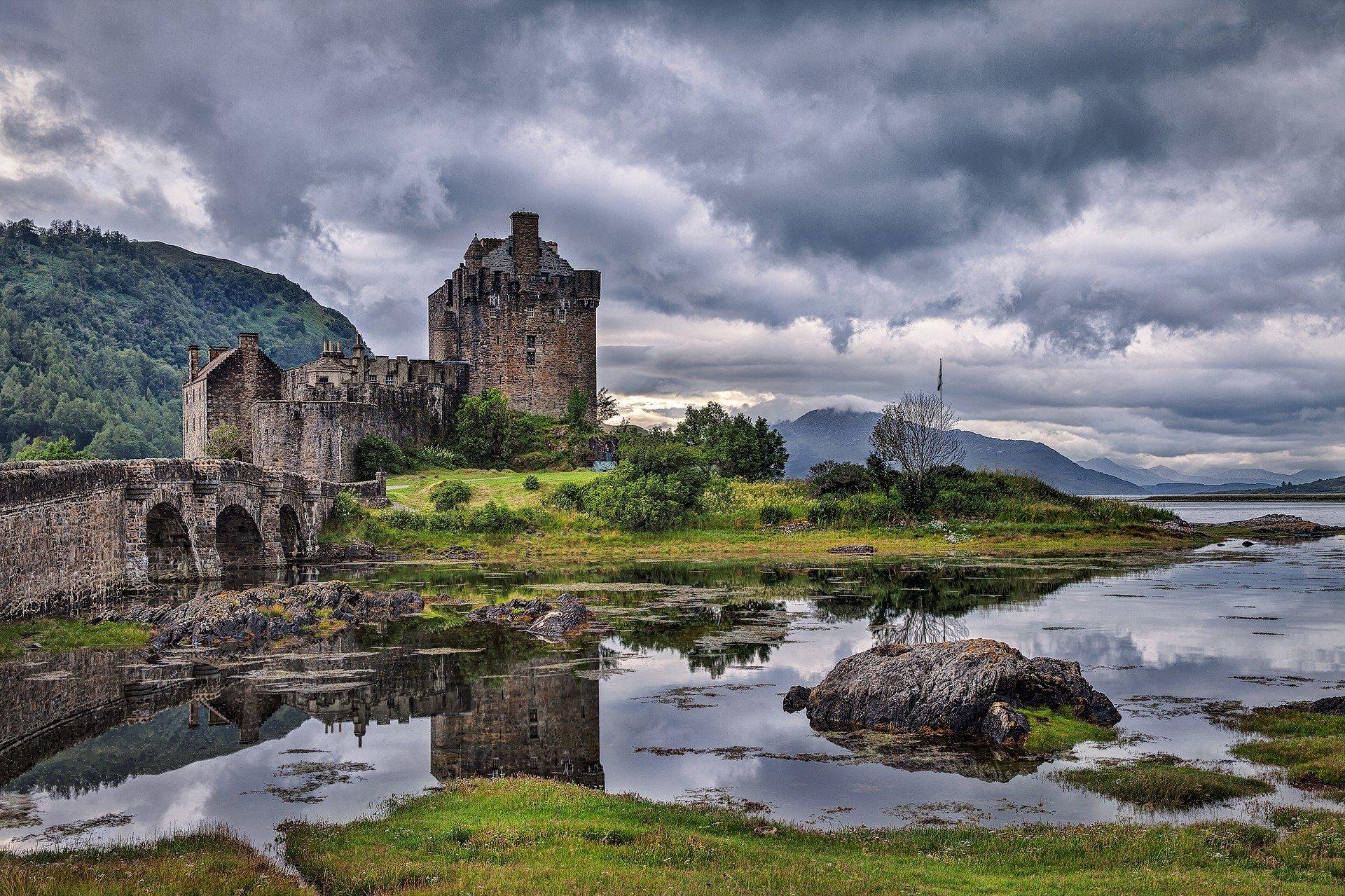 Шотландский каменный забор  № 2453326  скачать